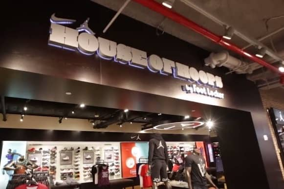 foot locker nyc 34th st flagship store opening big red rooster a jll company. Black Bedroom Furniture Sets. Home Design Ideas